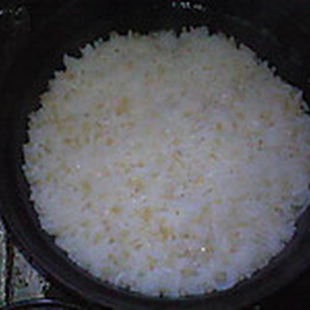湯立てで白米(933)。。。北海道石狩平野雨竜町産特別栽培米ゆめぴりか・白米(あいざわ米店)と茨城県産うまかっぺコシヒカリ玄米・新米(あいざわ米店)