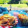ソーダブレッドといちごカルダモンケーキでピクニック