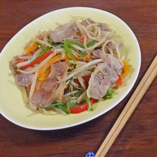 5分で簡単!豚もやしと3色野菜のコクうま味噌醤油炒め