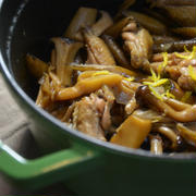 ストウブで「鶏手羽中ときのこの煮物」で和食ごはん