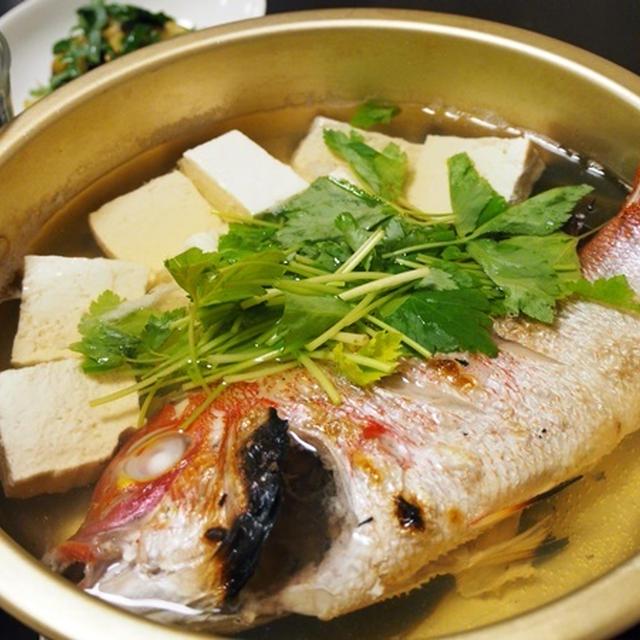縄文時代から受け継がれる味。小鯛の湯豆腐
