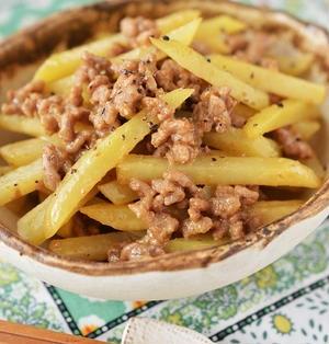簡単めちゃうま♡「じゃがいもとひき肉のオイマヨきんぴら(カレー風味)」