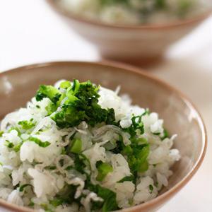 鮮やかグリーンがキレイ♪菜の花の混ぜご飯で春を食卓へ!