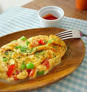 レシピ☆枝豆とトマトのチーズオムレツ