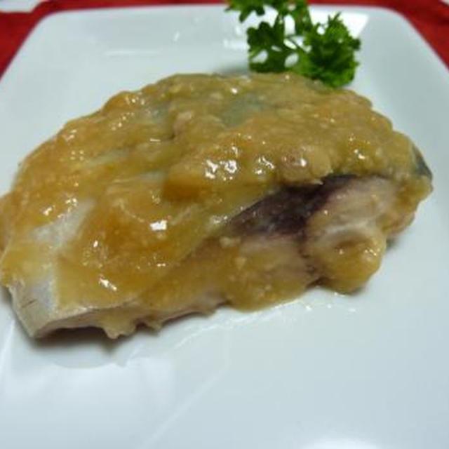 サバ味噌と 小松菜のあっさり煮びたし