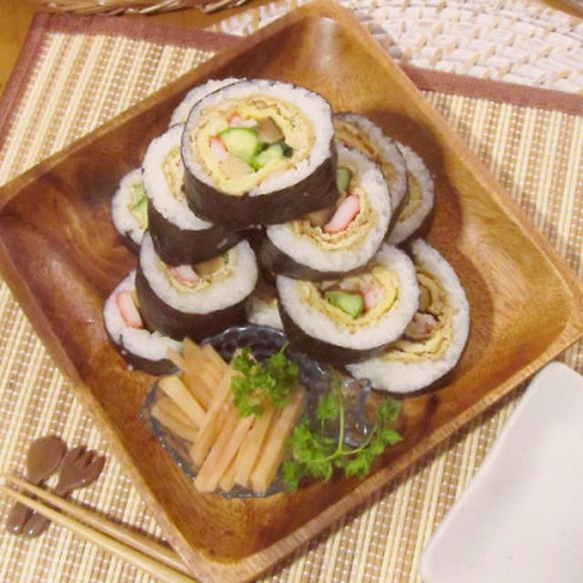 巻き寿司☆甘辛油揚げと薄焼き卵巻き♡