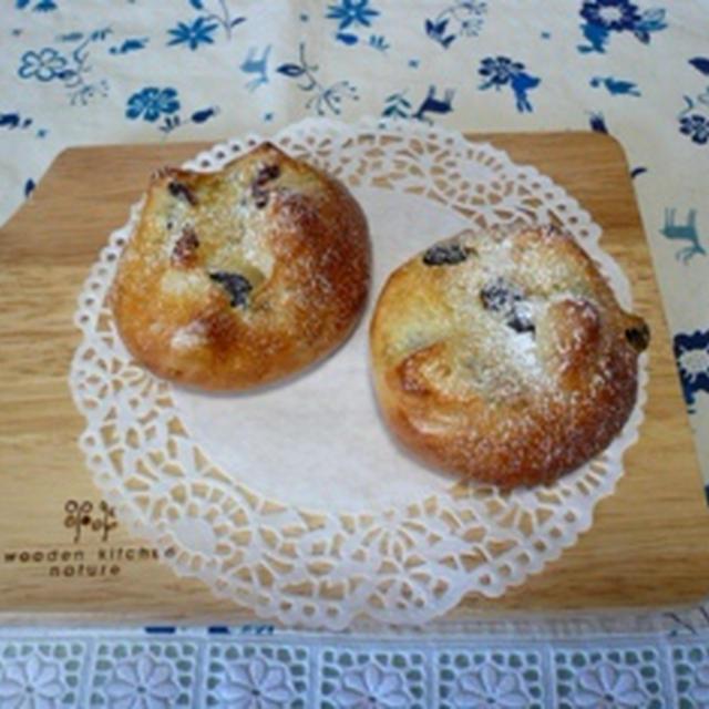 ルクエで作る「レーズンとクランベリーのパン」。