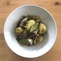 【レシピブログ】白ワイン肉じゃが ローズマリー風味 × 山梨のベイリーA