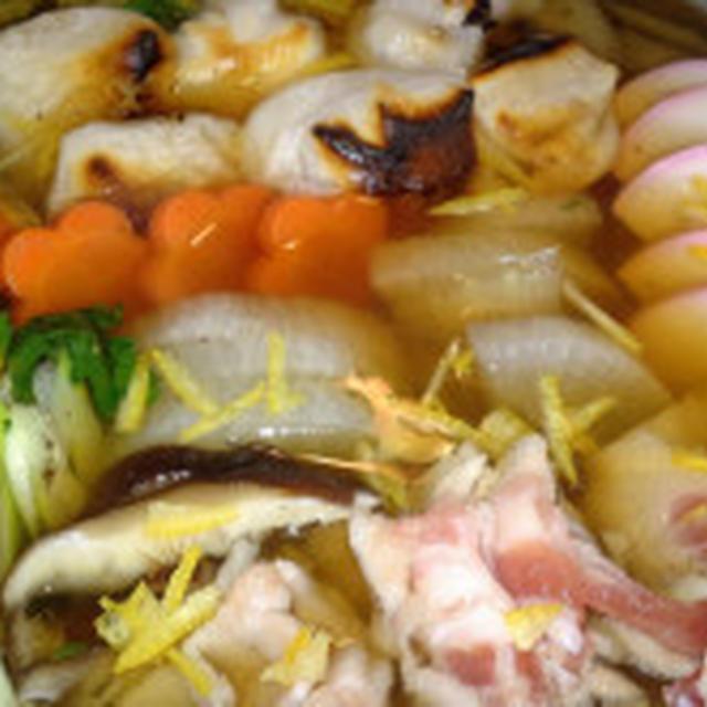 【レシピ】冬は鍋!★餅好き集まれぇ★お雑煮風鍋【ゆず風味香る焼き餅鍋】(^^♪