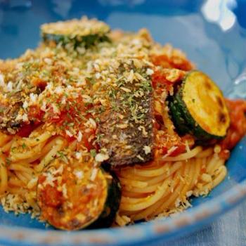 イワシとズッキーニのトマトソース スパゲティ
