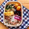 小松菜と豚こまぎれ肉の甘辛炒め弁当とおニューのわっぱ弁当