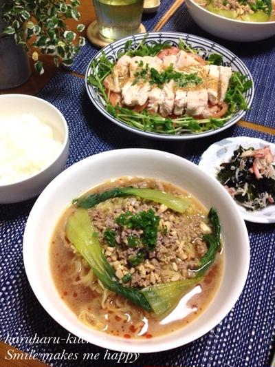 大人気な坦々麺♪蒸し鶏と豆苗のごまダレサラダ♪…いただきもの♡