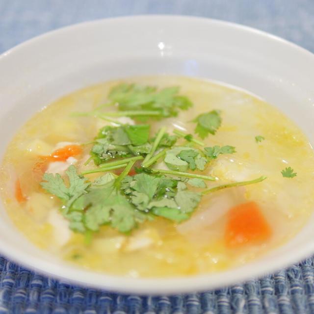 【レシピ】塩+こしょう+ラー油+レモン+パクチーで、トムヤムクン風スープの作り方。パクチー抜きで苦手な娘も、美味しいって