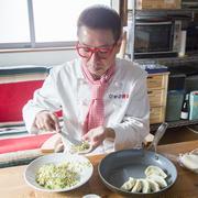 """【おいしい暮らし】万能すぎる♪""""最強料理芸人""""クック井上。さんの絶品ソースレシピ"""