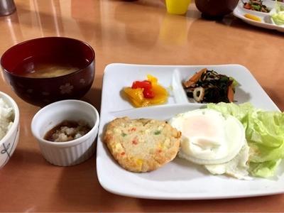 簡単副菜!味付けは塩昆布と塩コショウだけ!小松菜とちくわの塩こん炒め