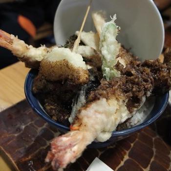 東京・国立市の地元御用達「志奈乃」の天丼!