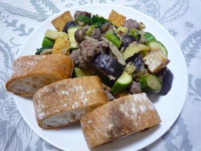 482 : コロコロ野菜の炒めものとチャバタ