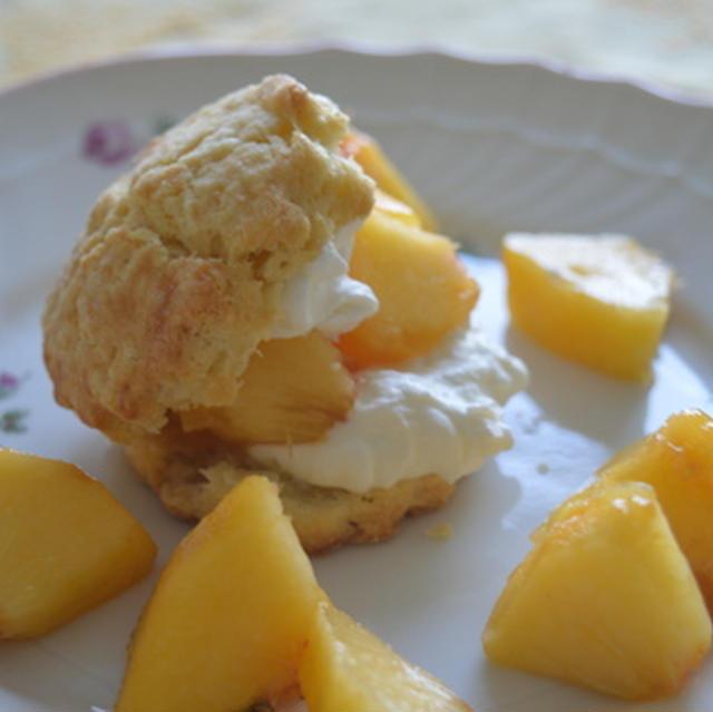 桃のオールドファッションショートケーキ