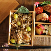 【お弁当】簡単で大人気!!♪きのこと銀杏の炊き込みご飯&可愛いおにぎりつくね弁当