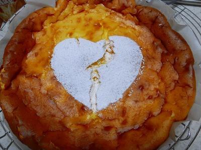 バレンタインに亀裂のハートのチーズケーキ~