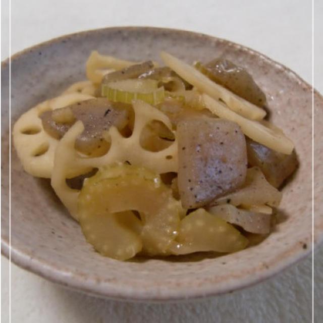 レンコンとセロリのサッパリ黒酢炒め