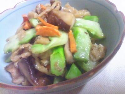 ブロッコリーの芯とシイタケの炒め物
