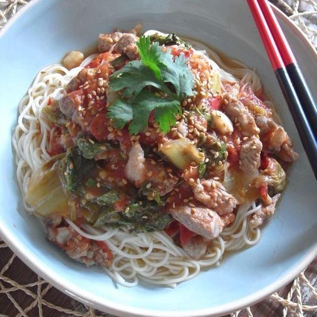 豚トマトレタスのぶっかけ素麺、あっさりうまみレモン醤油風味