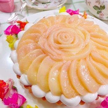 桃のムースタルト&フルーツサンドのお弁当