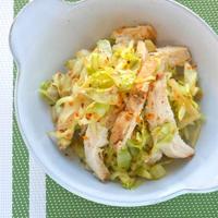 しっとり鶏むね肉が美味しい〜さっぱり鶏チャーシューとキャベツのゴマ味噌和え。