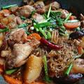鶏肉の甘辛煮(韓国料理チムタク)の人気レシピ。煮るだけ♪簡単