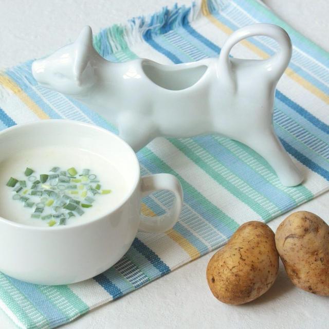 牛乳消費に最高!材料4つ。ミキサーなしで作れるじゃがいもの冷たいスープのレシピ。