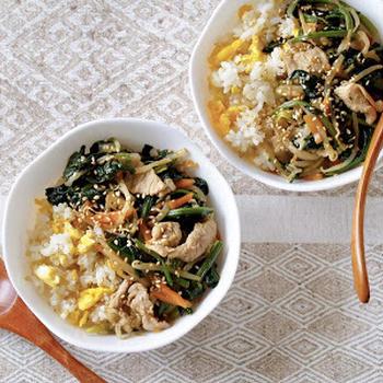 給食のビビンバ(鍋1つで簡単!비빔밥) | 英語料理 レシピ動画 | OCHIKERON