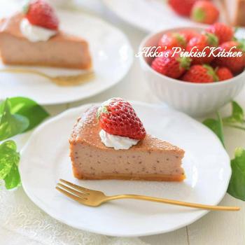 【おもてなし】激ウマ♡苺のベイクドチーズケーキ♪果肉タップリで濃厚な春限定スイーツ