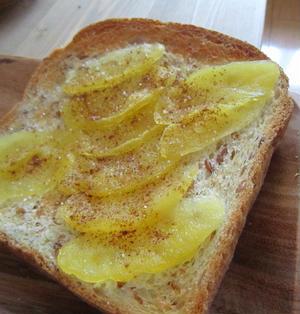 レンジで簡単りんごフィリングのトースト