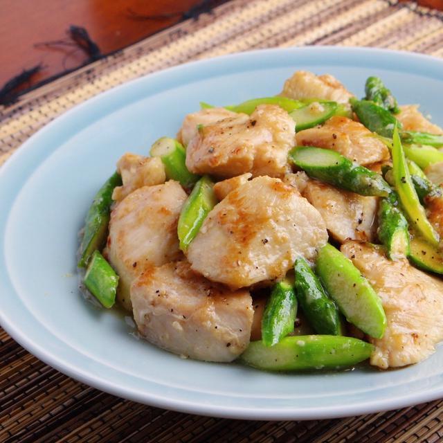 【簡単レシピ】鶏胸肉とアスパラの塩炒めの作り方