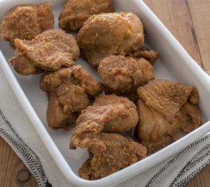 【材料(作りやすい分量・約10個分)】<br>鶏もも肉…小2枚(500g)<br>卵白…1個分<br...