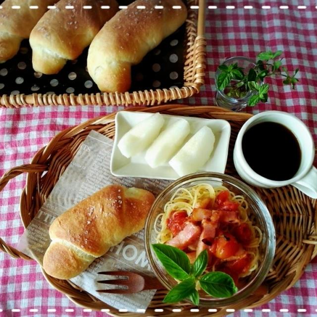 シルバーウィーク♡毎朝手捏ねパン焼くぞ~っ!!1日目は塩パンロールです(///ω///)♪