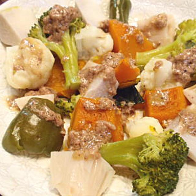 簡単!蒸し野菜のアンチョビソースがけ(レシピ付)