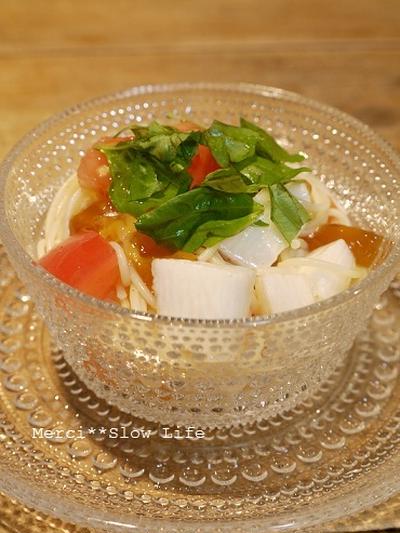 涼を運ぶ前菜♪ 長芋とトマトのカプレーゼ風パスタサラダ
