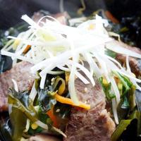 ■【理研ビタミン「Newわかめスープ」で 焼き肉店に負けないカルビクッパ】を5分で♪