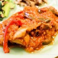 [スパイス大使]  バスク風鶏肉のトマト煮〜彩りを添えて レシピ