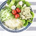 バジル蒸し鶏のグリーン冷麺