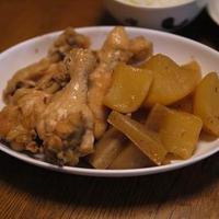 茅乃舎だしで大根と鶏手羽元の煮物