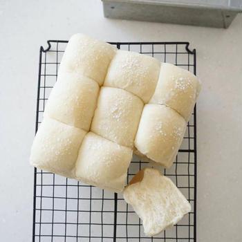白いミルクちぎりパン