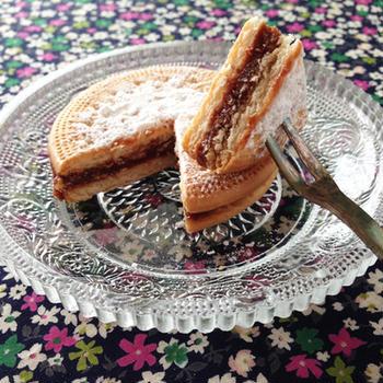 りんごとチョコの冷たいビスケットケーキ