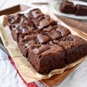 毎日食べたいほどチョコ大好き!つきさんの「おやつまで待てないチョコレートケーキ」5種