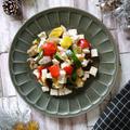 混ぜるだけ♡5分以内|コンビニ、お手軽食材で乗り切れるクリスマスアレンジ|【サラダチキンとグリル野菜のサラダ】