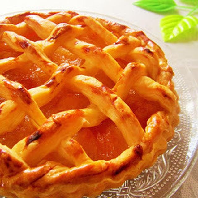 いびつだけれど美味しいと喜ばれた・・・紅玉でアップルパイ♪