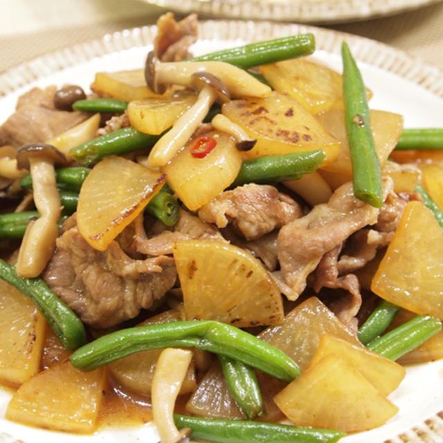 【和食】「きょうの大皿?!うちの豚バラ大根」&きのこの天ぷらで晩ごはん。
