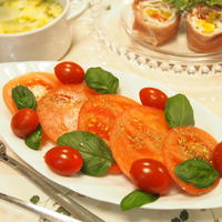 Wトマトの真っ赤なサラダ